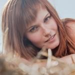 Silvia Ochodnická portrét v obilí