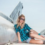 Aďa Klimková portrét na letisku