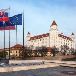 Jesenná krajina - Bratislavský hrad od Národnej rady SR