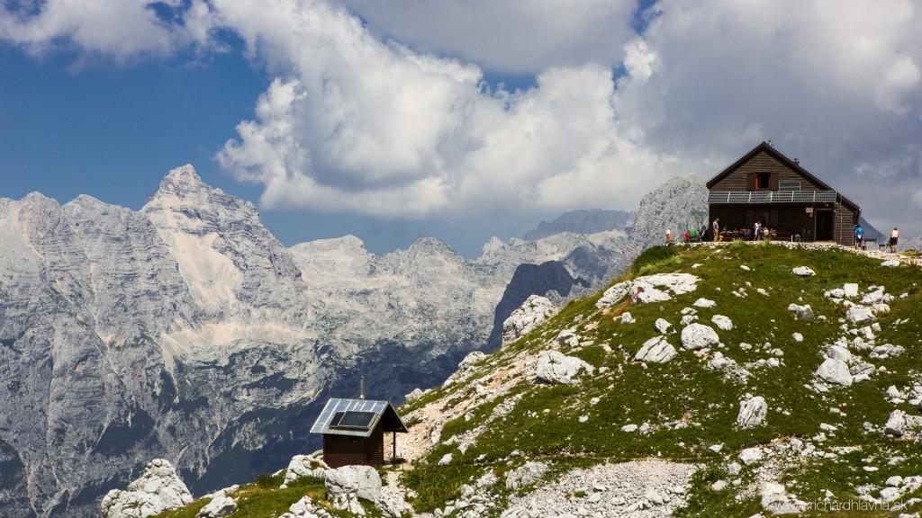 Zasavska chata na Prehodavcich, Slovinsko