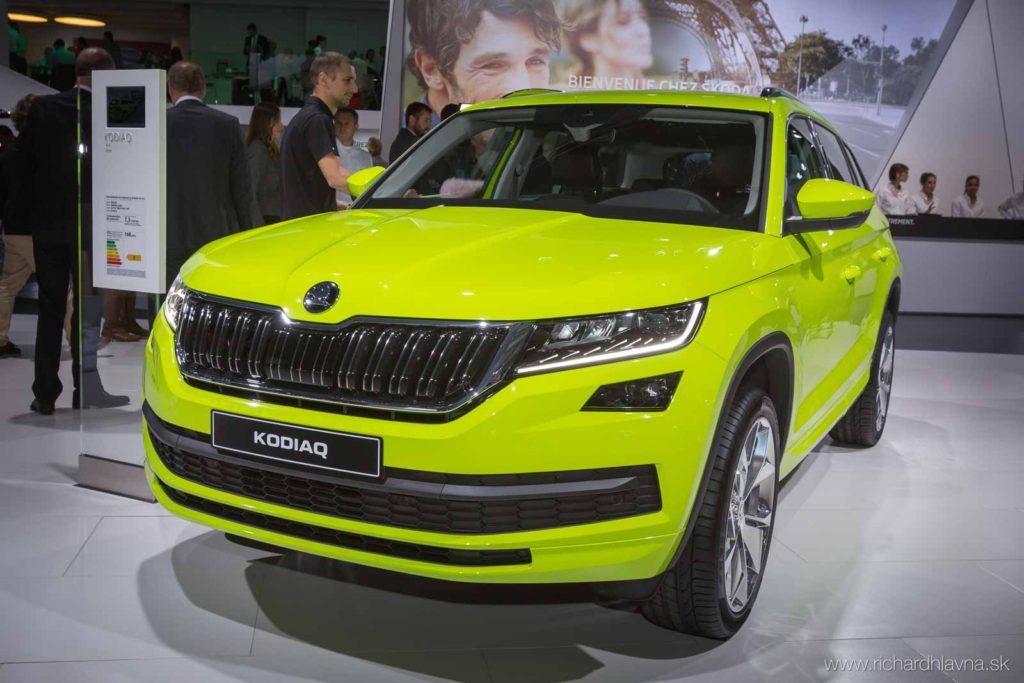 Škoda Kodiaq svietiaca žltá na autosalóne v Paríži