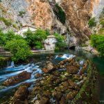 Prameň rieky Buna v dedine Blagaj