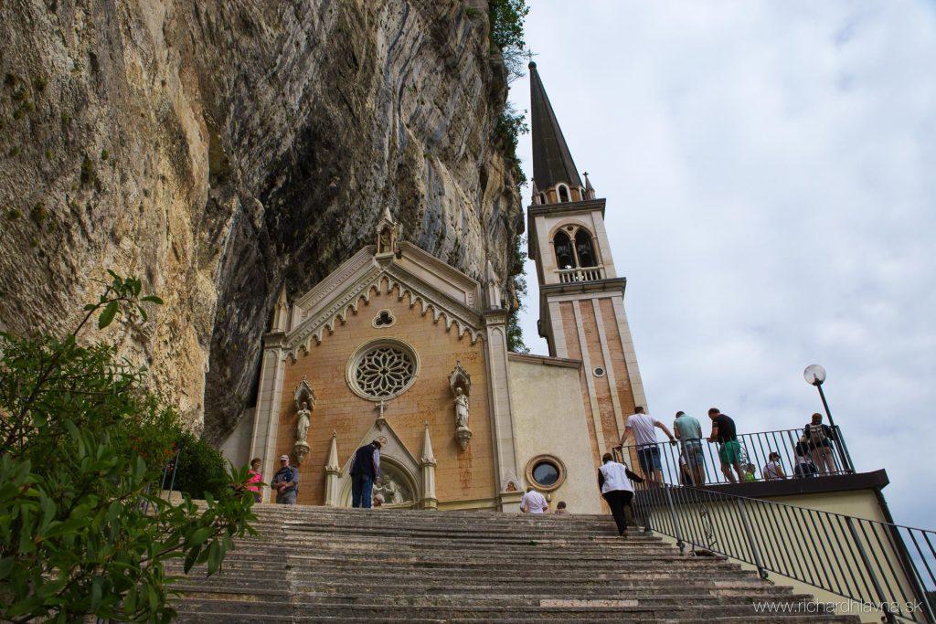 Bazilika Madonna Della Corona